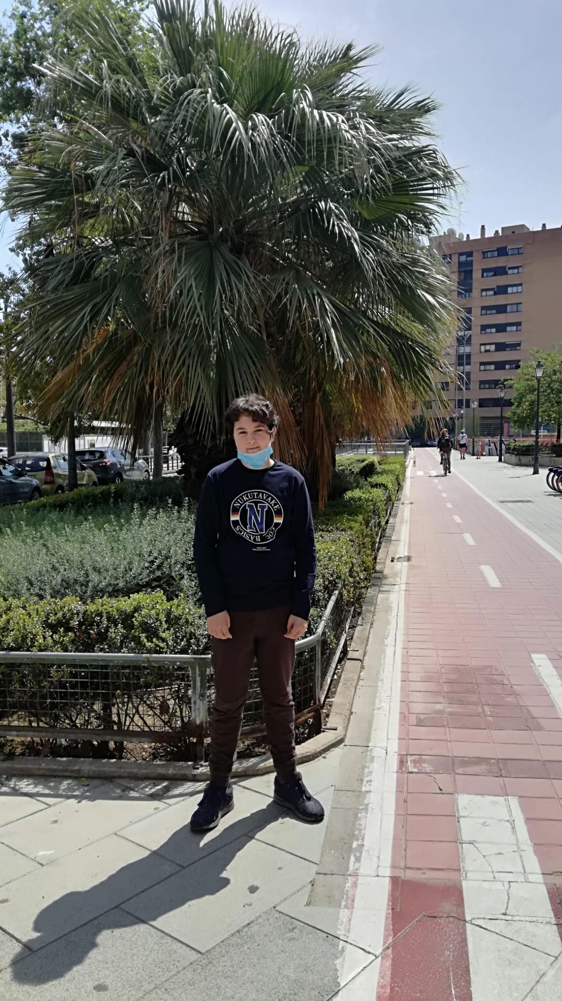Alejandro, el seu somriure adolescent